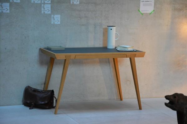 Schreibtisch Desk von Jan Kurtz