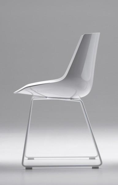 Flow Chair auf Kufengestell von MDF Italia