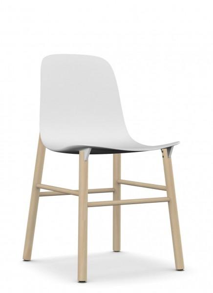 Sharky, Sitzschale weiß, Gestell massive Buche, von Kristalia