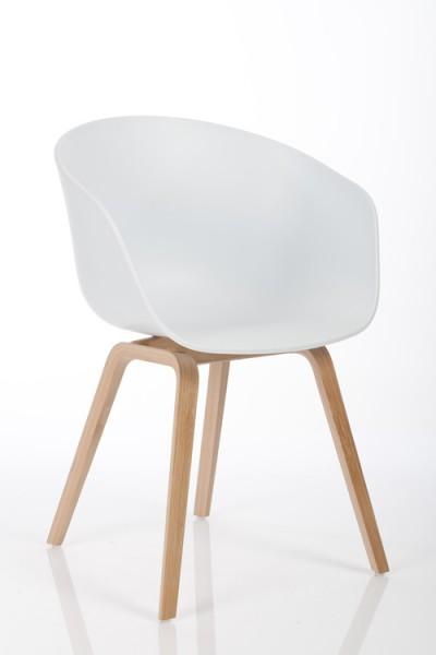Armlehnstuhl About a Chair AAC22 von Hay, Sitzschale weiß, Gestell Eiche furniert geseift