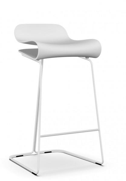 Hocker BCN auf Kufengestell von Kristalia, Sitz und Gestell weiß, Sitzhöhe 66 cm