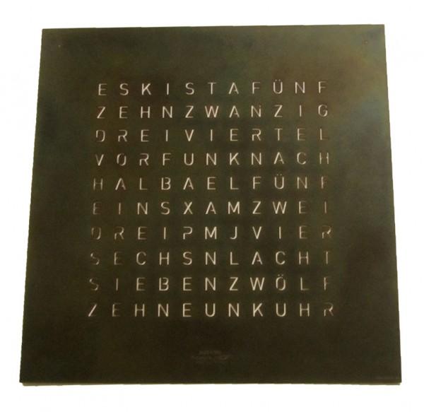Frontcover QLOCKTWO Classic von Biegert und Funk Raw Iron