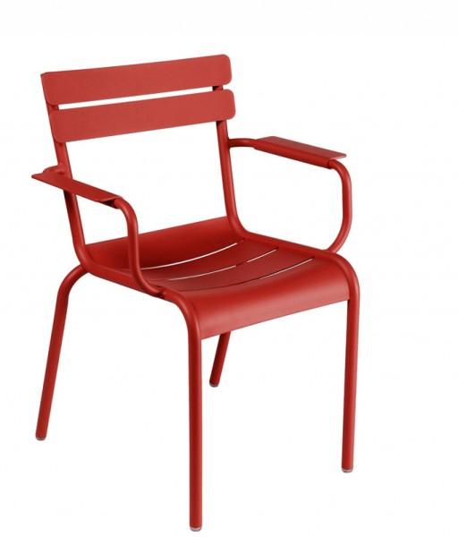 Armlehnstuhl / Sessel Luxembourg in der Farbe chili von Fermob