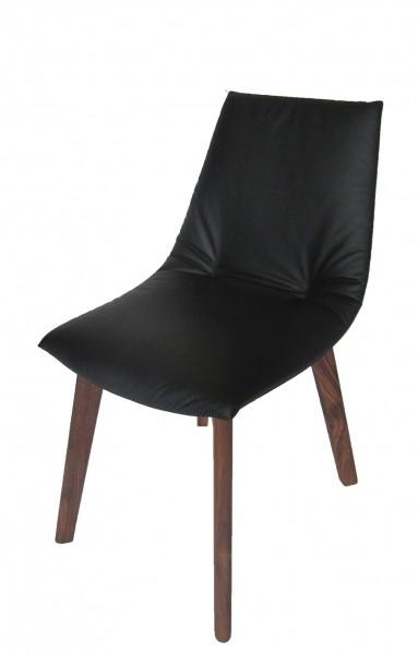 lui ein bequemer polsterstuhl produziert von team 7. Black Bedroom Furniture Sets. Home Design Ideas