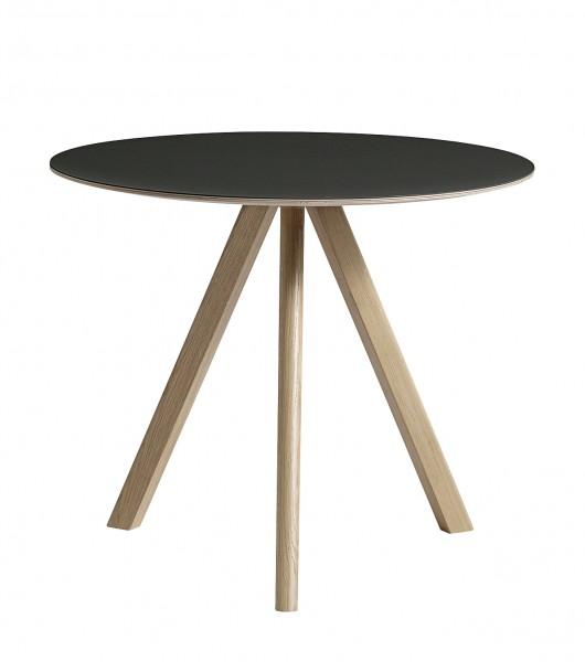 Tisch Copenhague Round CPH 20 von HAY Durchmesser 90 cm Linoleum scharz Gestell Eiche geseift