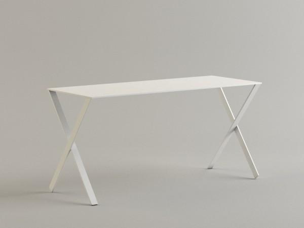 Tisch / Schreibtisch Bambi von Cappellini in der Ausführung Mattlack weiß (RAL 9019)