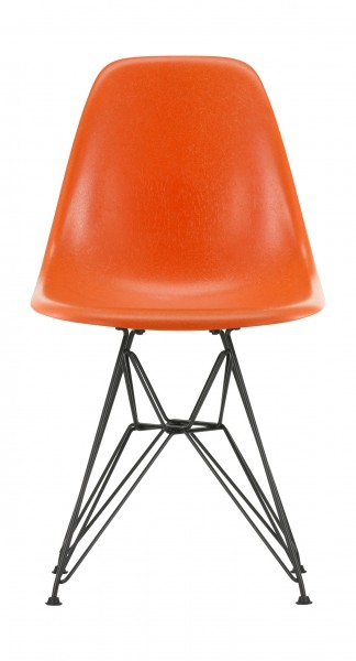 Stuhl Eames Fiberglass Side Chair DSR Sitzschale Eames red orange Gestell basic dark Vitra