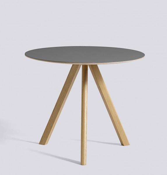 Tisch Copenhague CPH 20 von HAY, Tischplatte Durchmesser 90 cm Linoleum grau, Gestell Eiche klar lackiert matt