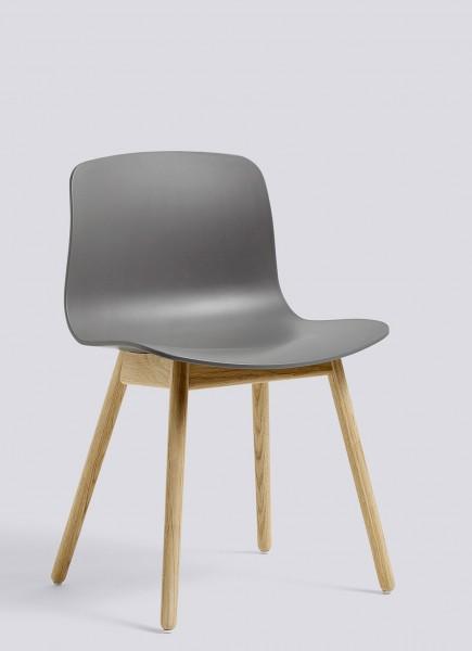 About a Chair AAC 12 von HAY, Schale grey, Gestell Eiche matt lackiert (aufgehellt)