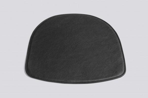 Stuhlkissen für Armlehnstuhl AAC 22 in Leder schwarz von HAY