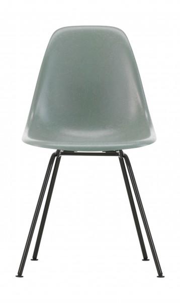 Eames Fiberglass Side Chair DSX Sitzschale Eames sea foam green Gestell basic dark Vitra