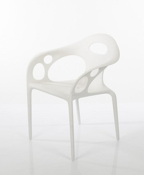 Stuhl Supernatural von Moroso in der Farbe weiß (RAL9010) - Ansicht leicht schräg