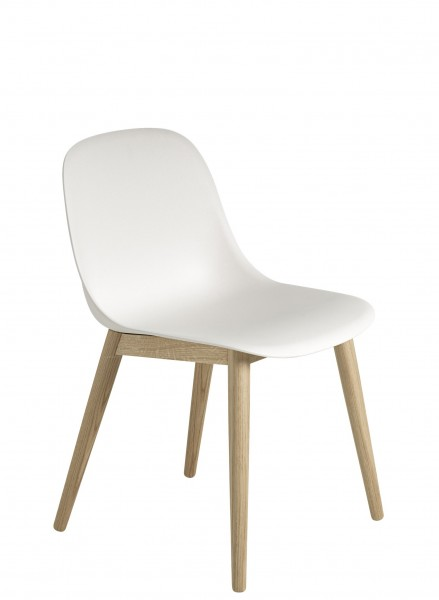Stuhl Fiber Side Chair Wood Base Schale weiß Beine Eiche natur lackiert Muuto