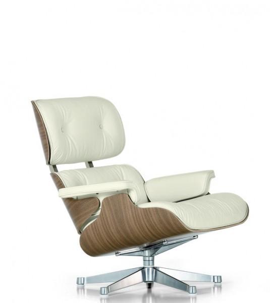 Lounge Chair - klassische Masse - Schale Nussbaum weiss pgimentiert Bezug Leder snow Vitra