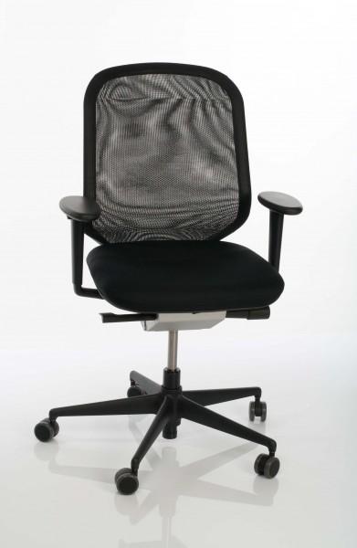 Bürostuhl MedaPal, Ansicht von vorne, Sitz Nova nero (66), Rücken Netline nero (66) von Vitra